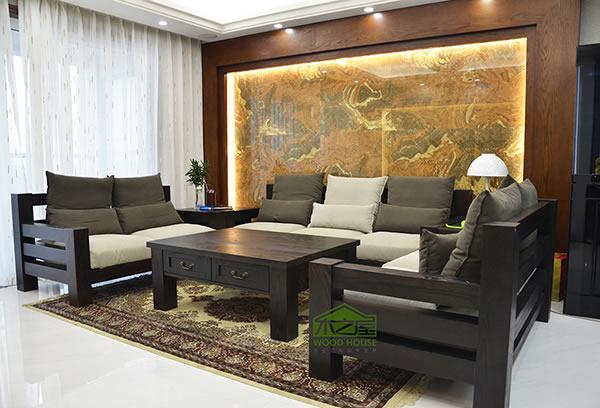客厅实木沙发